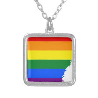 Collier Carte de drapeau de l'Arkansas LGBT