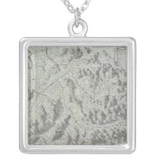 Collier Carte des montagnes