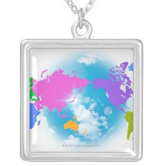 Collier Carte globale colorée