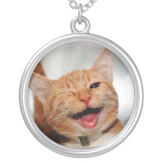 Collier Chat clignant de l'oeil - chat orange - les chats