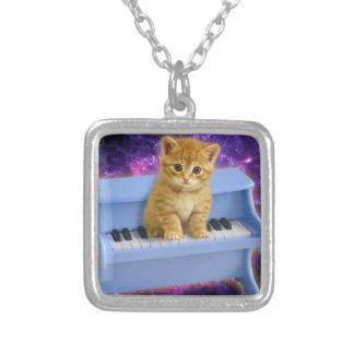 Collier Chat de piano