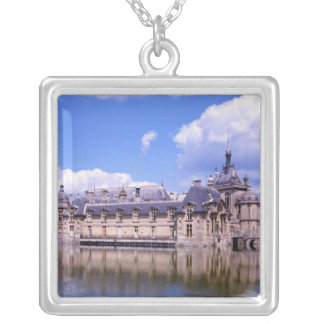 Collier Château Chantilly, l'Oise, France
