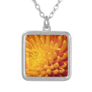 Collier Chrysanthème jaune et orange