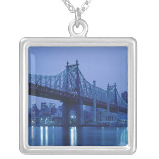 Collier cinquante-neuvième Pont en rue, New York,