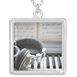 Collier Clavier de piano électrique