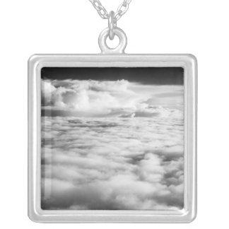 Collier Cloudscape mystérieux au lever de soleil. 2