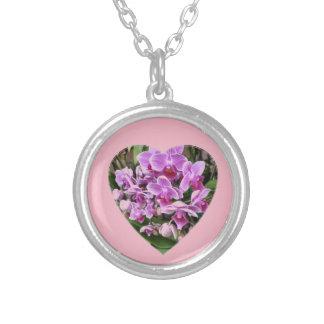 Collier Coeur rempli par orchidée