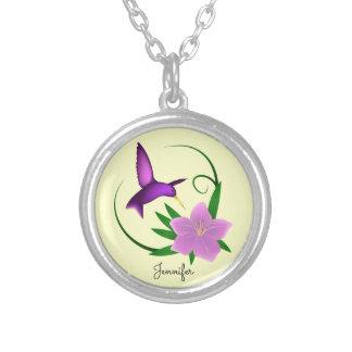 Collier Colibri avec le nom rose de fleur