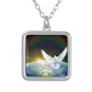 Collier Colombe de Saint-Esprit de paix au-dessus de la