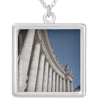 Collier Colonnes romaines