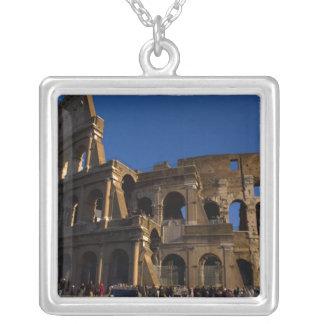 Collier Colosseum célèbre en point de repère de Rome