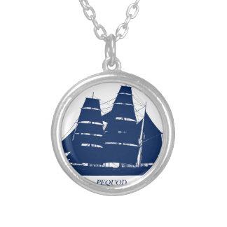 Collier conception bleue de bateau de pequod