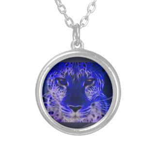 Collier conception bleue de fractale de guépard