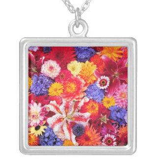 Collier Conception de fleur de Dalhia, lis orientaux,