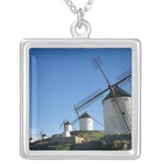 Collier Consuegra, La Mancha, Espagne, moulins à vent 2
