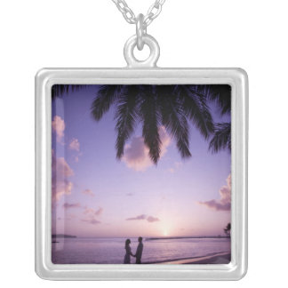 Collier Couples sur la plage, atterrissage de grand