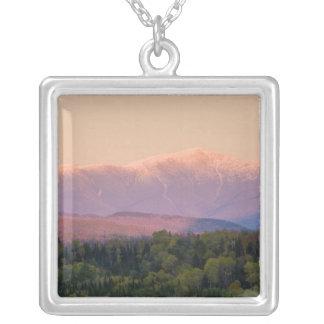 Collier Crépuscule et bâti Washington au New Hampshire