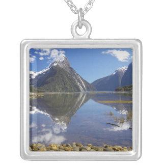 Collier Crête de mitre, Milford Sound, ressortissant de
