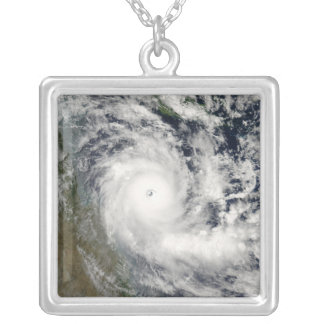 Collier Cyclone Ingrid