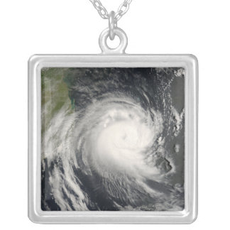 Collier Cyclone tropical Favio approchant la Mozambique