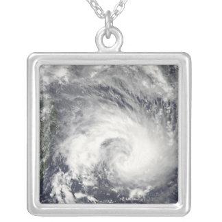 Collier Cyclone tropical Gael