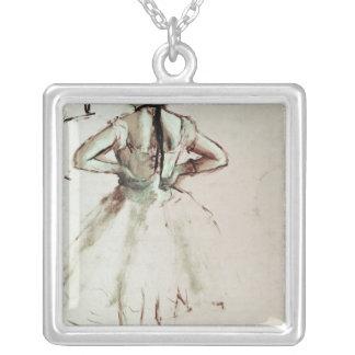Collier Danseur d'Edgar Degas | vu du dos