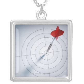 Collier Dard rouge