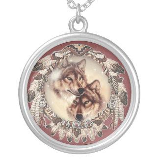 Collier de couples de loup gris