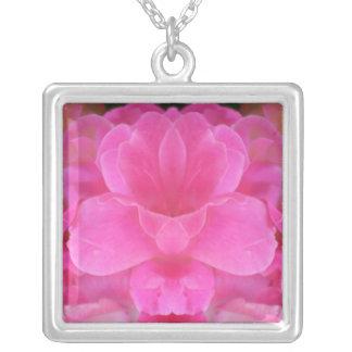 Collier de mandala de rose de rose