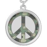 Collier de paix de camouflage