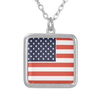 Collier de pendentif de carré de drapeau américain