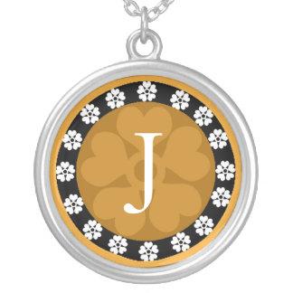 Collier de pendentif de la lettre J de monogramme