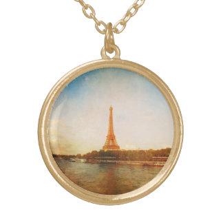 Collier de photo de Tour Eiffel de finition d'or