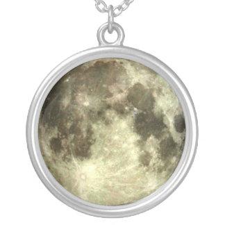 Collier de pleine lune
