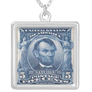 Collier de timbre-poste d'Abraham Lincoln