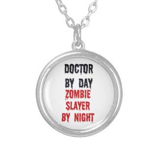 Collier Docteur par le tueur de zombi de jour par nuit