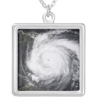 Collier Doyen d'ouragan dans l'Océan atlantique et la