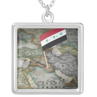 Collier Drapeau de l'Irak dans la carte