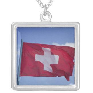 Collier Drapeau suisse rf)