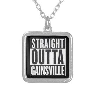 Collier droit d'Outta Gainsville
