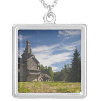 Collier Église orthodoxe russe en bois 5 de Ttraditional