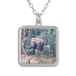 Collier Éléphant en Thaïlande