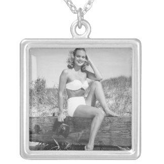 Collier Femme dans le bikini