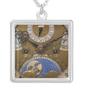 Collier Fermez-vous d'une vieille horloge, Allemagne