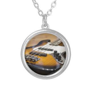 Collier Ficelles basses basses d'instrument de la guitare