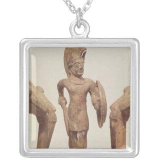 Collier Figurine d'un guerrier, c.490 AVANT JÉSUS CHRIST