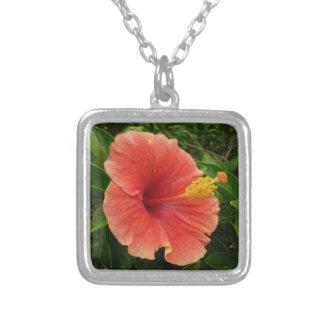 Collier Fleur orange de ketmie