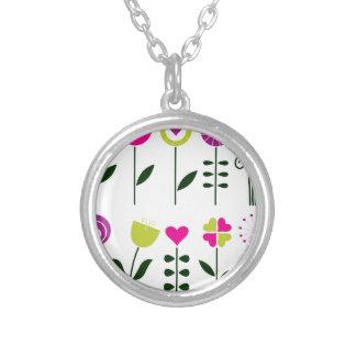 Collier Fleurs folkloriques de luxe sur le blanc