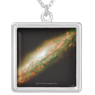 Collier Galaxie NGC 3079