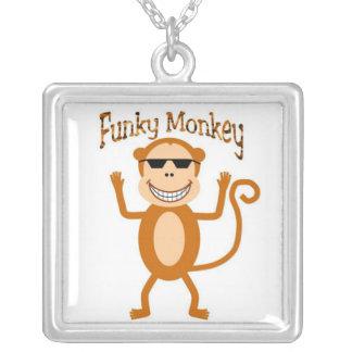 Collier génial de singe